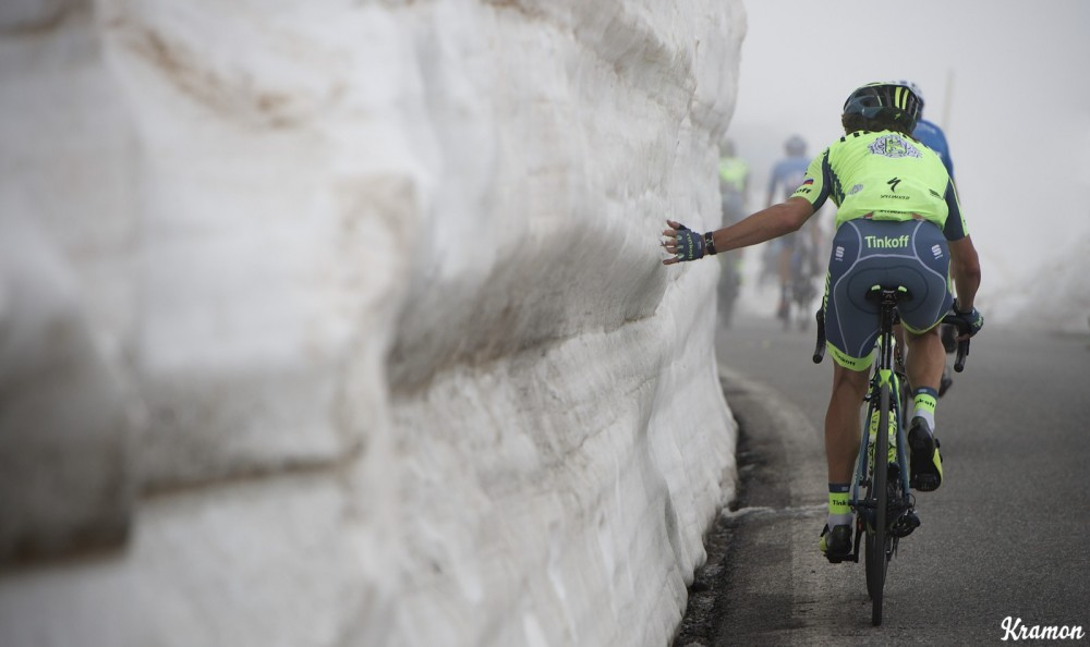 A Tinkoff rider couldn't resist getting a feel of the snow up the misty Colle dell'Agnello (2744m) stage 19: Pinerolo(IT) - Risoul(FR) 162km 99th Giro d'Italia 2016